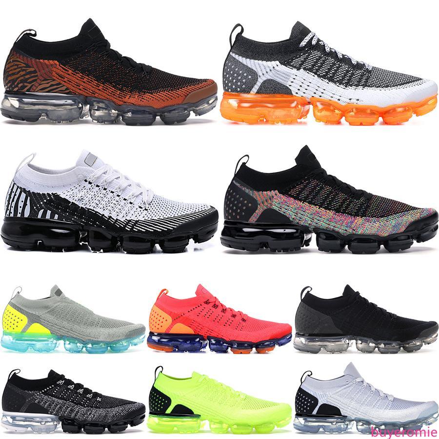 2019 Örgü 2.0 Koşu Ayakkabı Erkekler Kadınlar Fly 1.0 BHM Kırmızı Orbit Metalik Altın Üçlü Siyah Tasarımcı Ayakkabı Sneakers Eğitmenler çorap