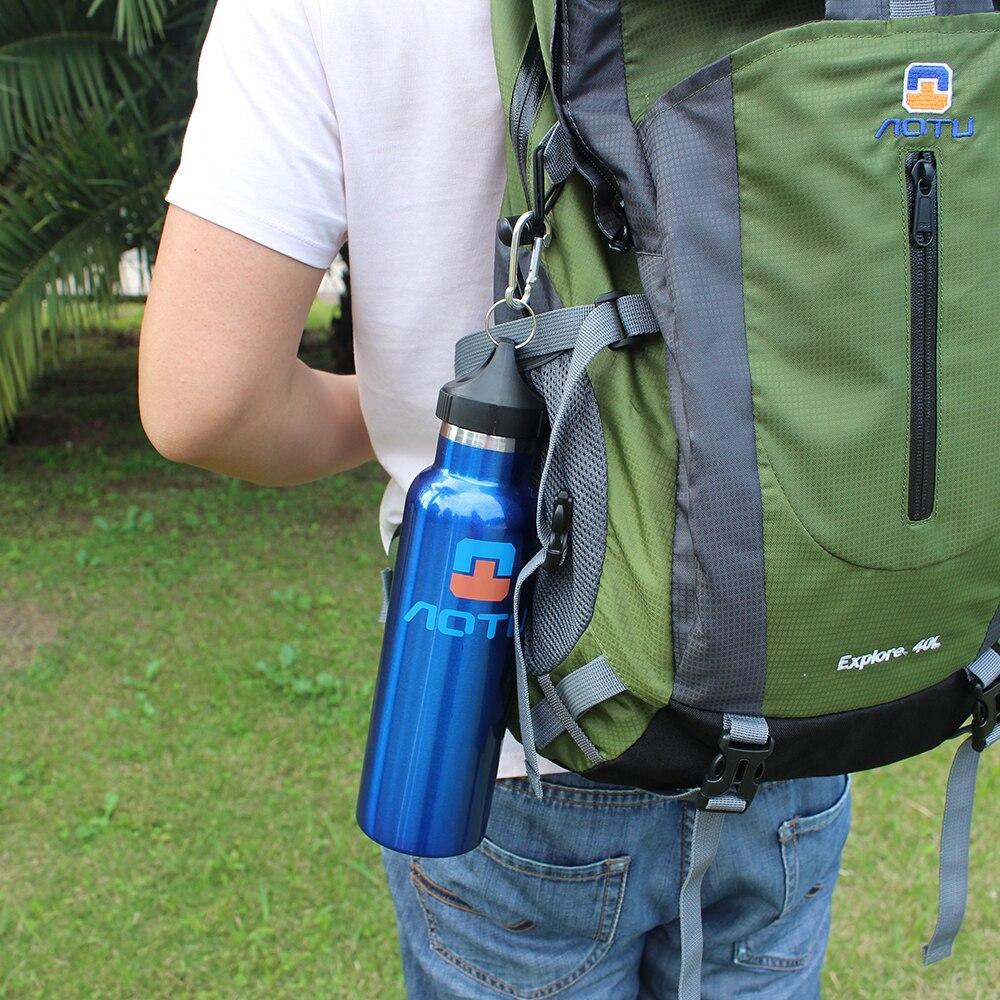 600ml Sport Bouteille d'eau à double paroi isolé Sport en acier inoxydable Bouteille d'eau avec brosse de nettoyage Kit de camping
