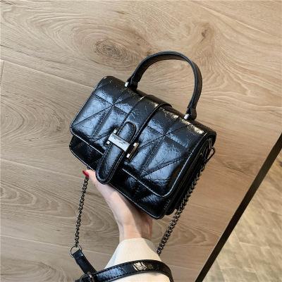 İnstagram'da her şeyle birlikte gelen yeni bir trendy retro nakış çantası, kadınlar için tek bir legging-tahıl messenger çanta