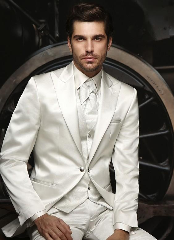 Dernières costumes de pantalon manteau Ivoire / Blanc Costumes de mariage pour hommes sur mesure Made Groom Tuxedo Formal Party Suit Costume 3 Pièces Ternos Suit