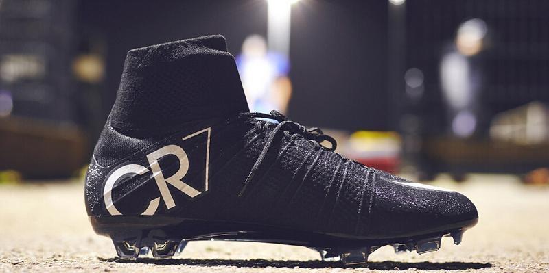 Scarpe di alta qualità nero originale CR7 Mercurial Superfly Scarpe da calcio V FG Calcio C. Ronaldo 7 argento superiori Mens Tacchetti Calcio RR