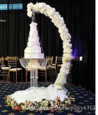 Romantische Luxus-Metall-Bogen drapieren Suspend-Leuchter-Kuchen-Standplatz Schaukel für Kuchendeckel Dekor Herz Kronleuchter Hochzeit Veranstaltung Partydekor