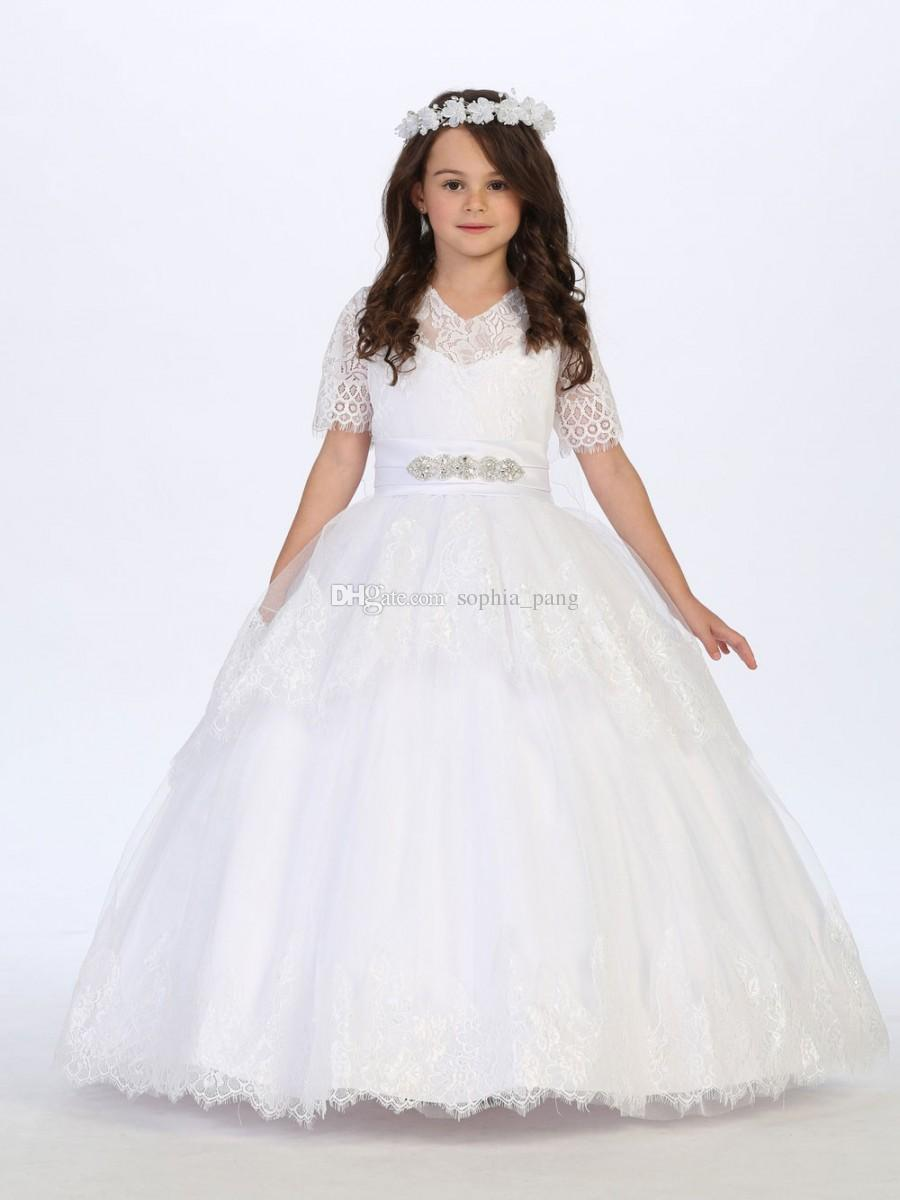 2019 Princess Girls Lace Holy Communion Gowns V Neck Short Sleeve Beaded Belt Ivory Holy Communion Dresses Party Ball Gowns