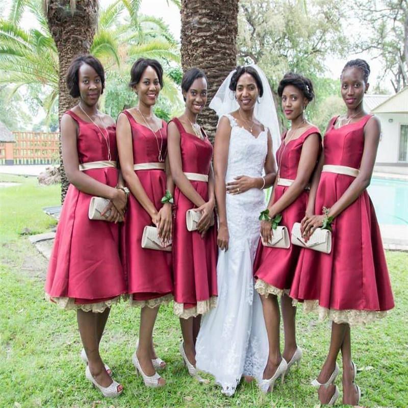 2019 Schwarze Mädchen Eine Linie Kurze Afrikanische Brautjungfernkleider Mit Gürtel Spitze Trauzeugin Kleid Hochzeitsgast Kleid