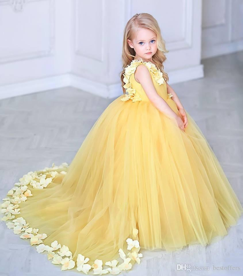 2019 Daffodil V-Neck Yellow Flower Girls Dresses With 3d Flowers Appliques Custom Tulle Kids Vestidos De Girls Pageant Party Gown
