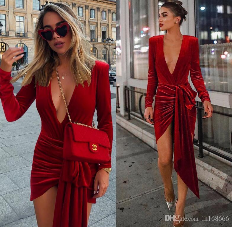 Vestito aderente dalla fasciatura irregolare Vestito aderente dalle donne Vestito da partito sexy con scollo a V Elegante mini abito da sera in velluto rosso rosso velluto 2019