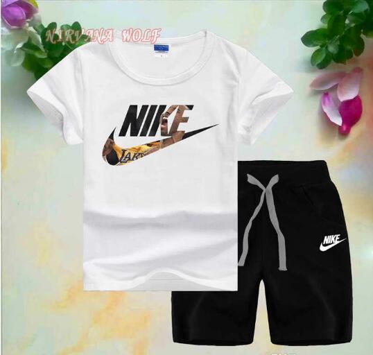 Commercio all'ingrosso - NlKELogo Luxury Designer Abbigliamento per bambini Ragazzi Summer Shorts Pantaloni Sport Suit Baby Bambini T Shirt manica corta in cotone Set di vestiti