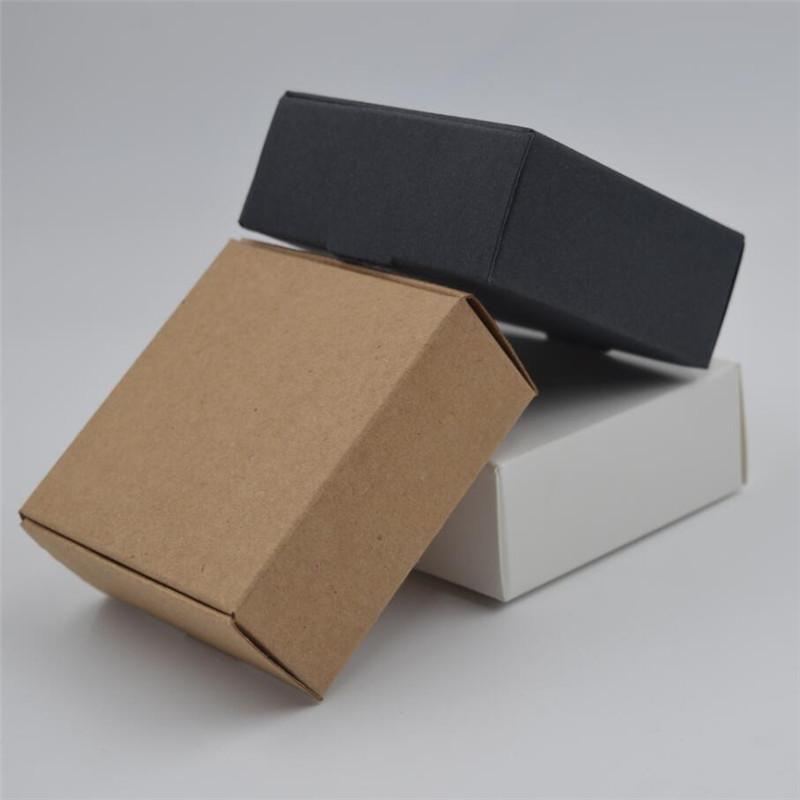17 أحجام الجملة براون كرافت ورقة مربع هدية مربع أبيض Cajas دي الكرتون تغليف الصابون عرس الحسنات حلوى هدية 100pcs التي
