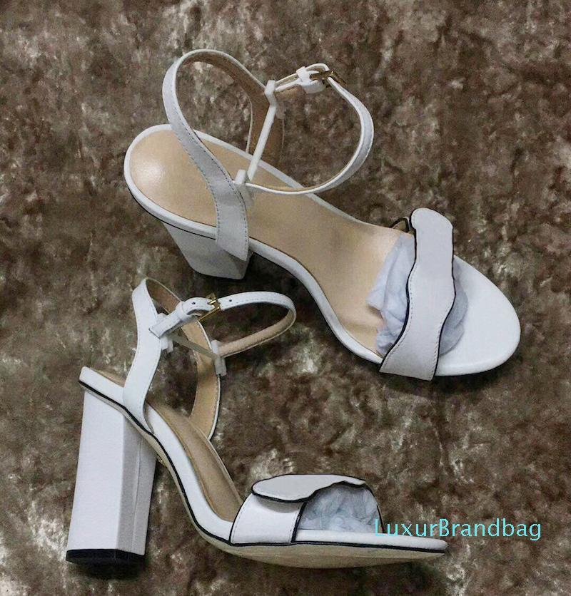 Di vendita calda del progettista sandalo di lusso a scarpe con tacchi di cuoio Sexy scarpe lettere doppie sandali tacco donna scarpe metà sandalo tacco