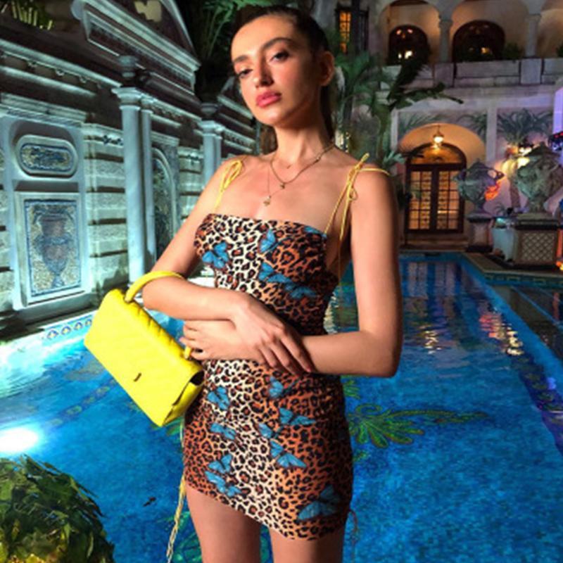 Piel de leopardo sin espalda bodycon atractivo del mini vestido de 2019 mujeres del verano forman la raya vertical del cuello del resbalón ropa del club del partido Streetwear