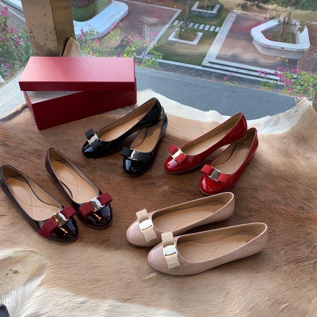 Brand New Женщины Девушка моды роскошь дизайнер каблуки насос квартир лакированной кожи с бантом женская свадебная свадьба случайные плоские туфли с коробкой 34-40