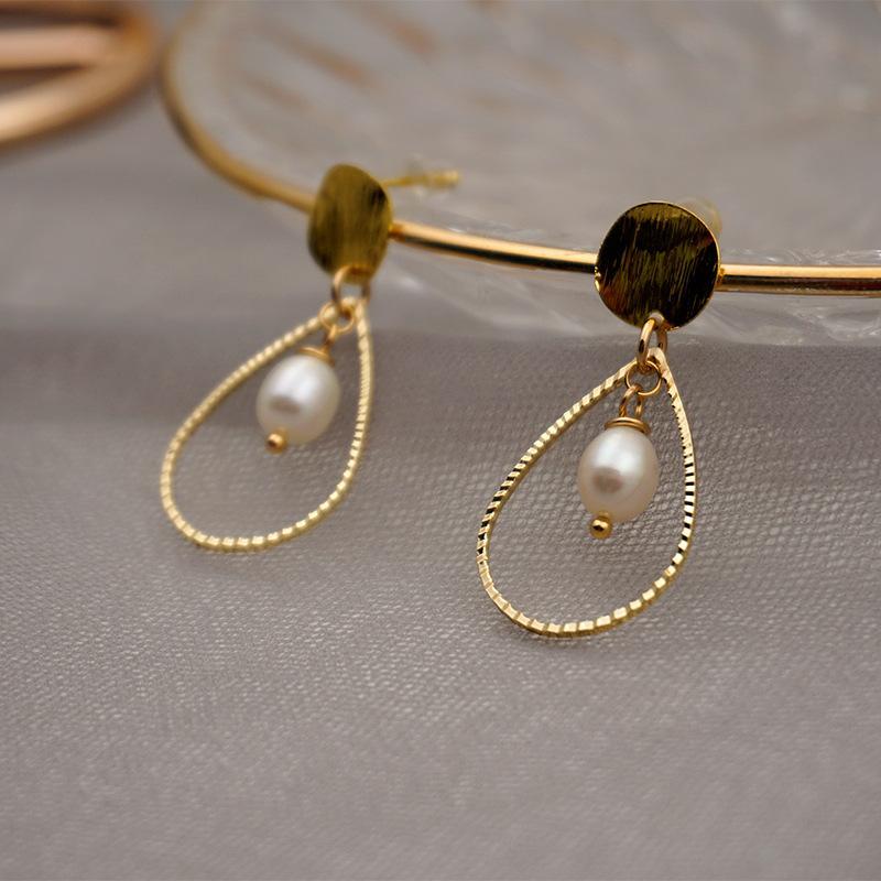 Mulheres jóias oco geométrico natural de água doce pérola arranhando brincos