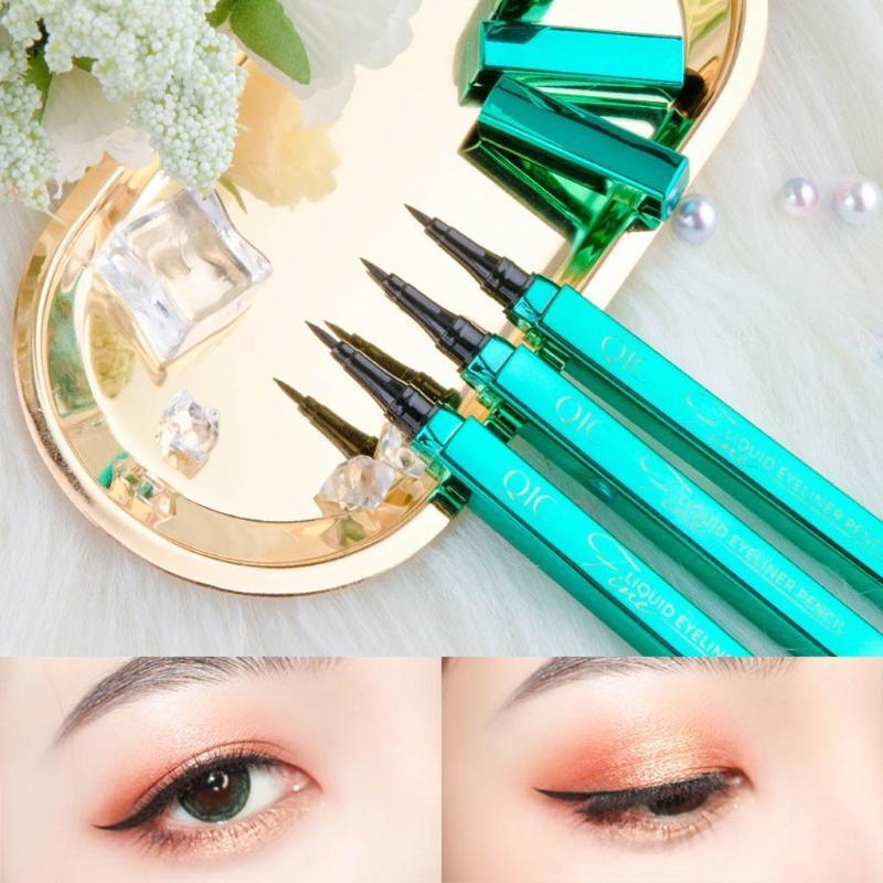 Qic Negro Larga Duración Delineador de ojos lápiz de ojos a prueba de agua y el sudor a prueba de líquido de larga duración Cosmet Delineador de ojos 1 ml a prueba de manchas