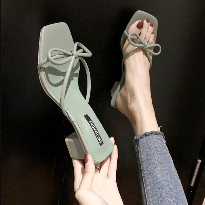 Pantofole Scarpe da donna donna pantofole dei sandali moda PU Bow High Heel 2020 Heels nuova estate di modo spessi D129