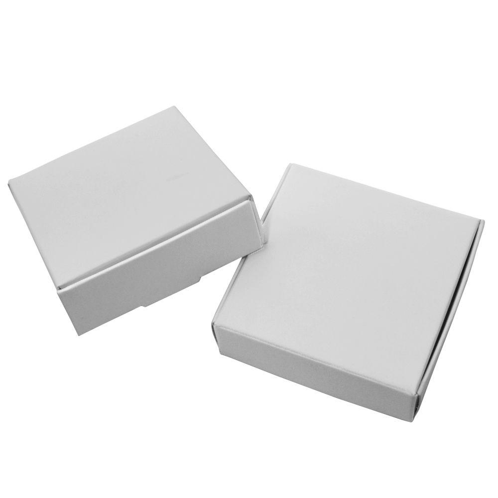 50 unids / lote 7 * 7 * 2.2 cm Cuadrado Blanco Papel Kraft Caja de Dulces Forma Favor de la Boda Regalo de la fuente del partido Empaquetado / Embalaje Cajas de Paquetes de cartón