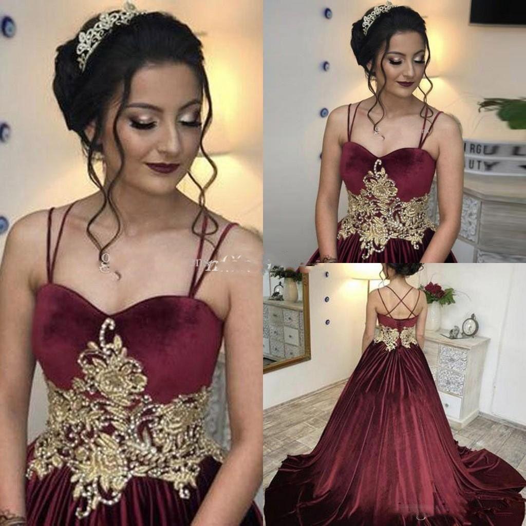 Borgonha árabe Vestido de Baile Vestidos de Baile Criss Cross Straps Sweep Trem Ouro Apliques Longos Formais Evening Vestidos de Festa Para O Doce 15
