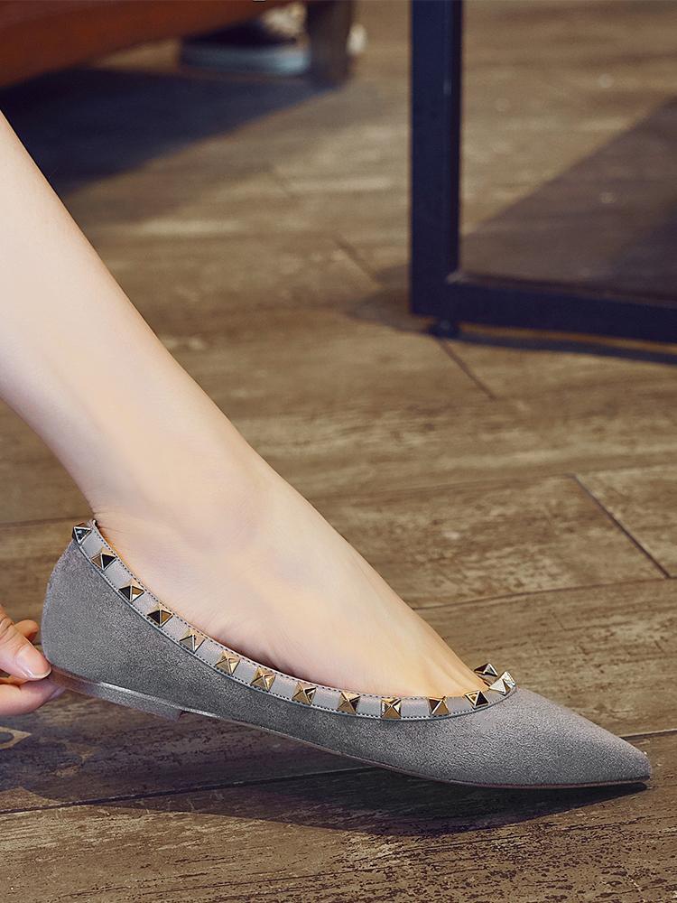 Free2019 리벳 밑면 플랫 날카로운 크기 Ma Liu Noodles Shallow Wouth Single Shoe Woman