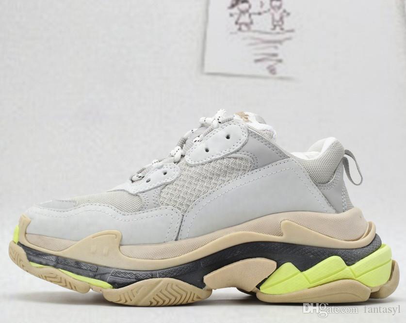 2019 New Dad fashion sneakers Paris Triple S sapatos casuais designer de caminhadas homens e mulheres sapatos casuais para venda especiais