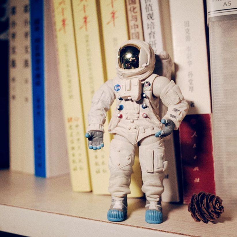 Simulazione PVC Figure Astronauta Astronauta modello Ornamenti bambole giocattolo giunti mobili del modello della decorazione del regalo di compleanno di Natale