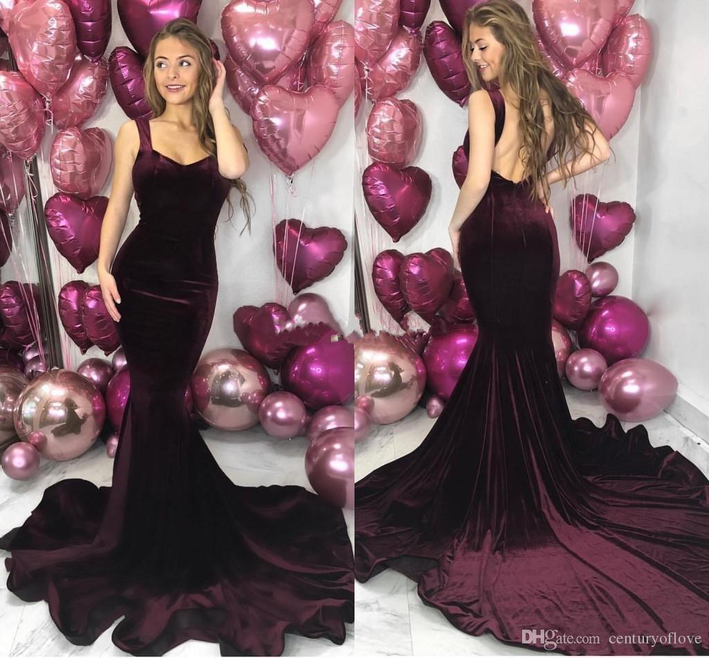 Borgonha Velvet Backless Mermaid dama de honra Vestidos Spaghetti Trem da varredura Garden País Convidado de Casamento vestidos de madrinha de casamento vestido 2019