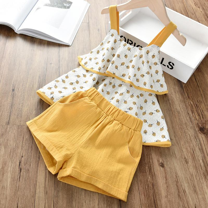 Best selling boutique 2020 summer new Korean version of the small and medium children's suit solid color dot suspender top + shorts two-piec