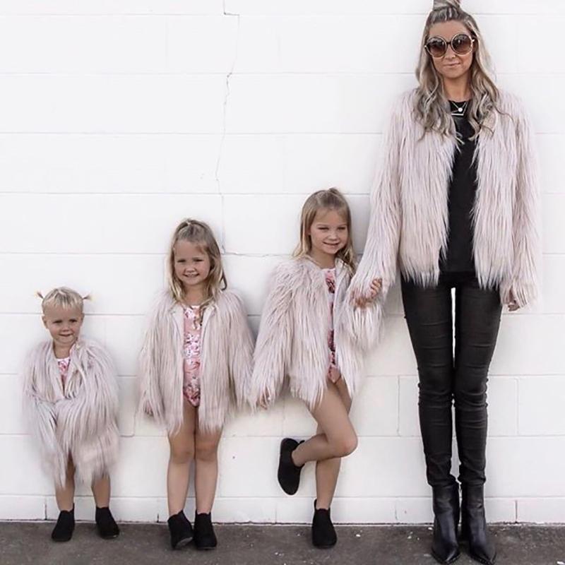 المرأة الفراء فو الأم و ابنة الملابس الأسرة مطابقة ماما الاطفال الطفل الدافئة وتتسابق 2021 الشتاء الخريف سميكة معطف سترة