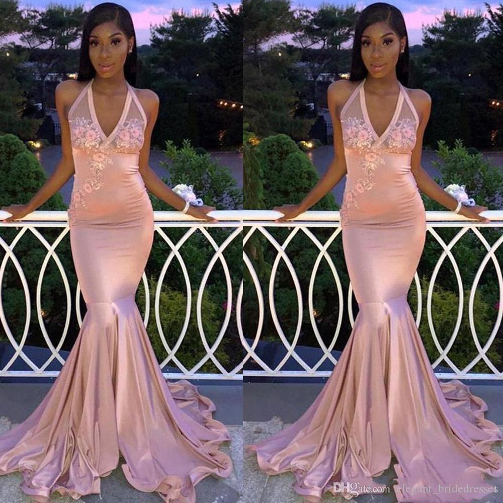 Дешевые ручной работы цветы аппликации платья выпускного вечера русалка длинные сексуальные шеи без рукавов розовые вечерние платья халат де вечер