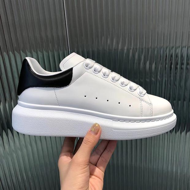 Erkekler Kadınlar Platformu Casual Ayakkabı Ayakkabı Moda Kadınlar Erkekler Deri Lace Up Chaussures Büyük Boy Sole Sneakers Beyaz Siyah Ayakkabı