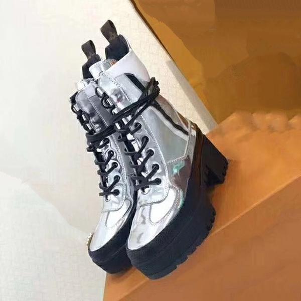 2020 Повседневная обувь папа кроссовки Париж мода роскошный дизайнер Женская обувь платформа Спорт клубника волна yz19
