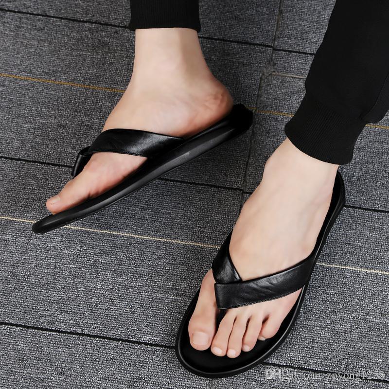 2020 versátil flip-flop con los dedos descubiertos plataforma plana resistentes al desgaste con chanclas de cuero real de los flip-flops zapatillas de cuero casuales portátiles