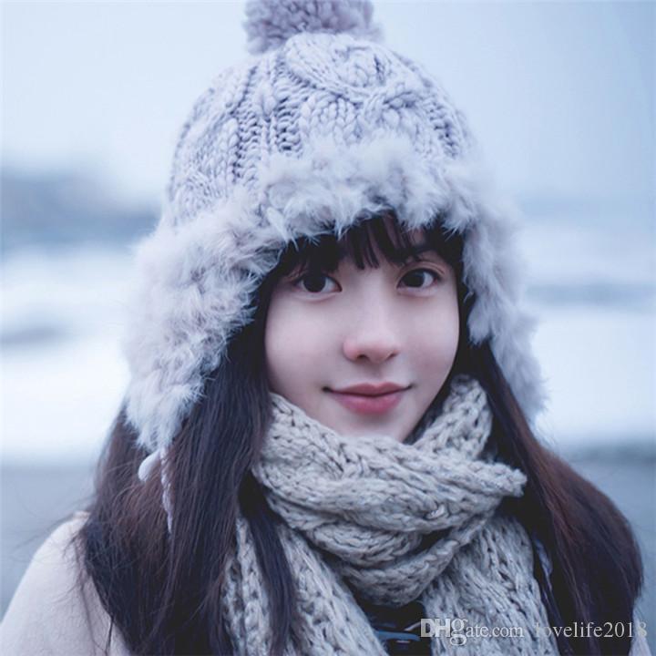 Lovelife Mulheres Inverno Quente Proteção de orelha malha Beanie Pompom Hat Crochet Thicken Skil Caps T498 presente Xmas menina