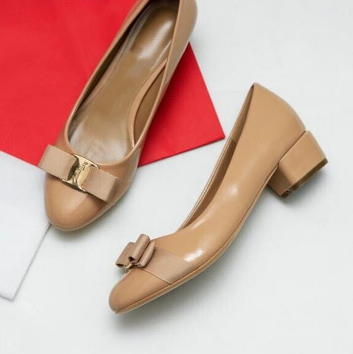 뜨거운 판매 - 여성 섹시 클래식 활 샌들 여자 여름 디자이너 드레스 신발 가죽 섹시한의 땅딸막 한 여성의 신발