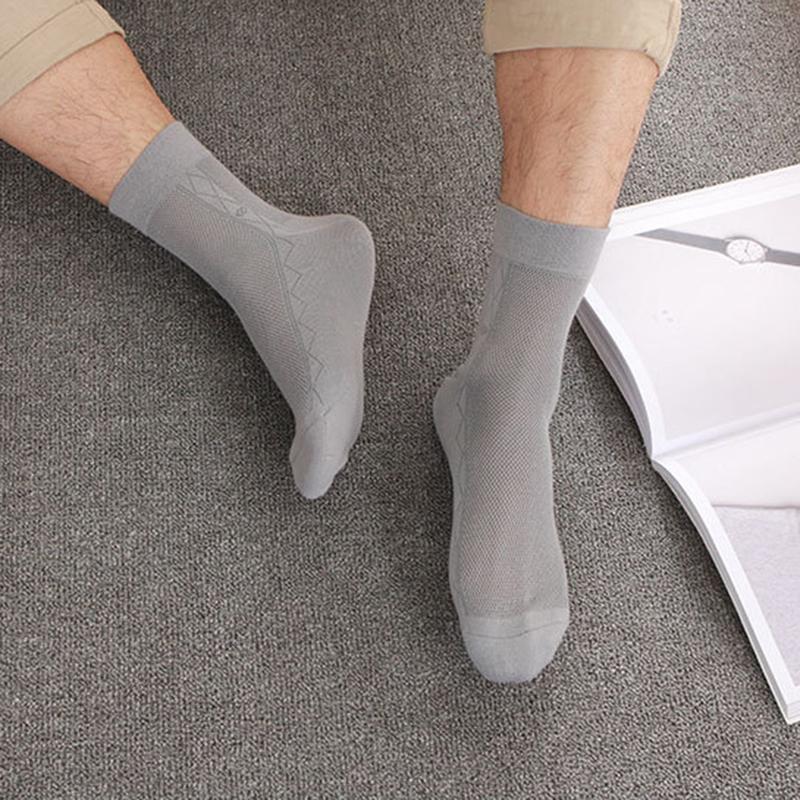 20SS tendencia de la moda la calidad de Hight de los hombres de las mujeres Calcetines Calcetines Parejas cómodo algodón ocasional de los hombres grises calcetines un tamaño