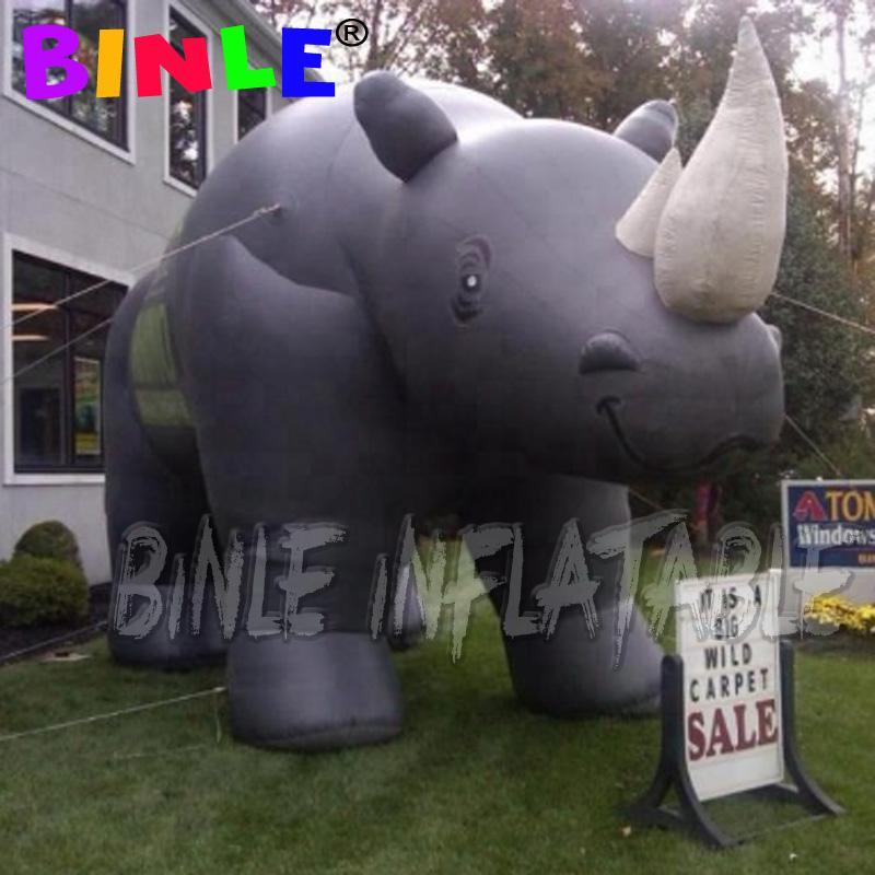 Modelos de animales salvajes de juguete inflable rinoceronte desfile globo flota para la publicidad