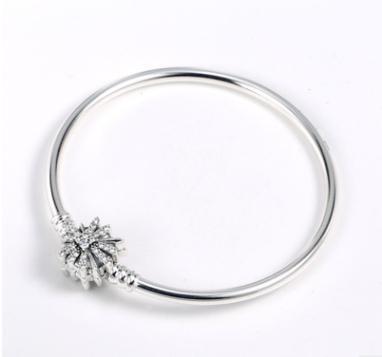 Nouveau originale Argent 925 Bracelet mousseux avec étoile de cristal fermoir serpent Bracelet chaîne Fit perles charme de bijoux à la mode