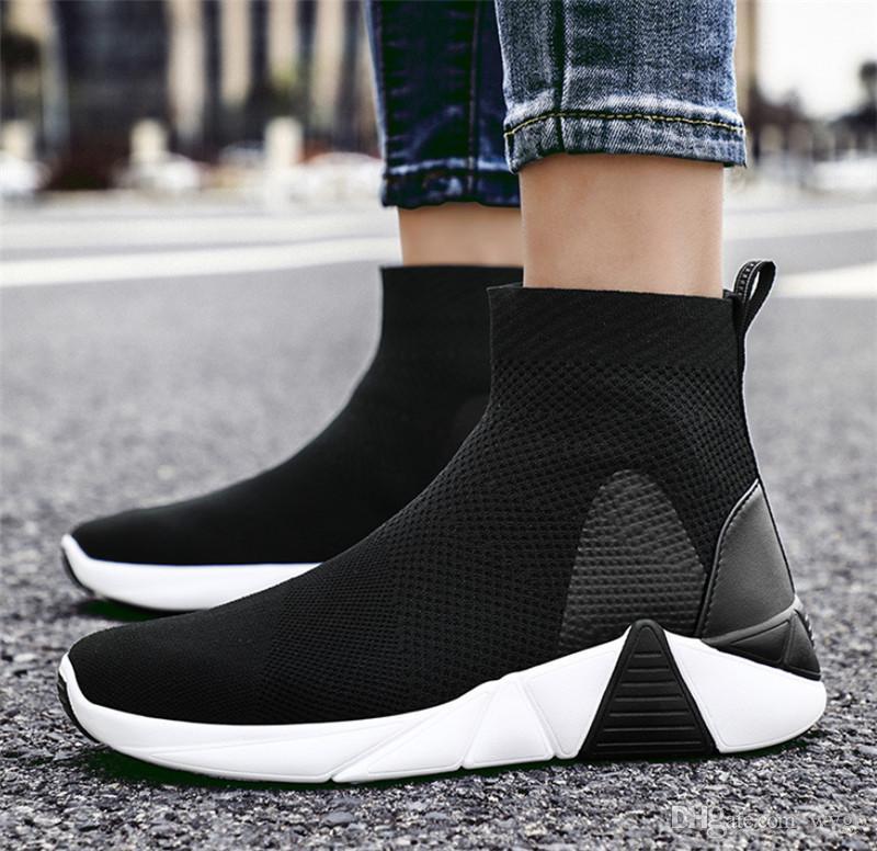 رخيصة السيدات 2020 الجديدة الأحذية الرياضية الخريف والشتاء أزياء خفيفة الوزن الأحذية النسائية عارضة البرية الوردي سوداء الجملة الخضراء