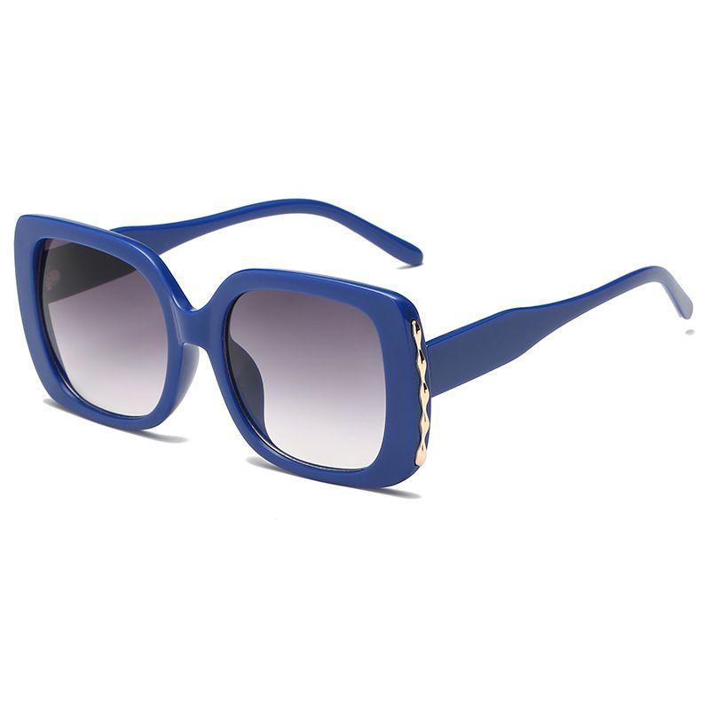 2020 donne classiche quadrato gli occhiali da sole donne di plastica Vintage cornice blu Occhiali da sole Retro UV Outdoor 400 Lentes De Sol Mujer occhiali