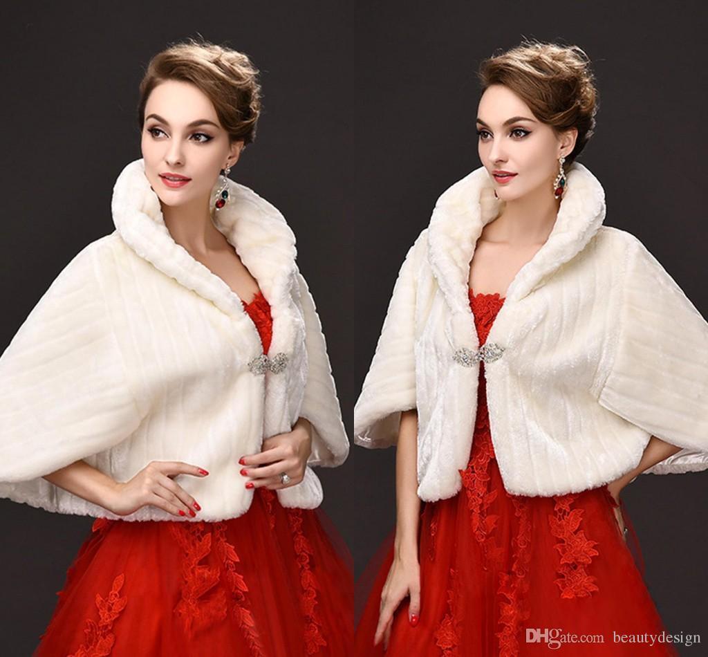 새로운 도착 2019 새로운 신부는 결혼식을 위해 가짜 모피 목도리 자켓을 포장한다 백색 상아 빛 겨울 따뜻한 모조 다이아몬드 신부 볼레로 CPA971