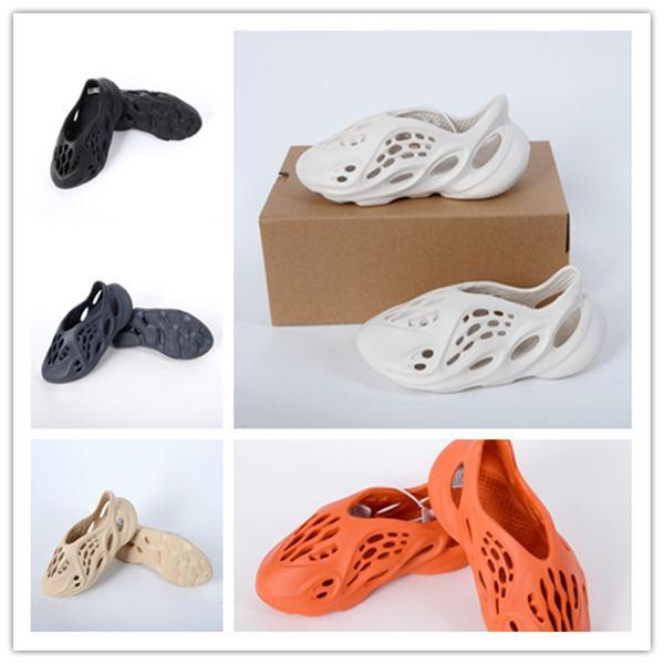 2020 Baby-Sommer-Strand-Pantoffel Schaum Läufer Luxus Loch Slides Knochen Marke Sandale Kinder Schuhe Jungen Mädchen Jugend Turnschuhe Größe 24-35