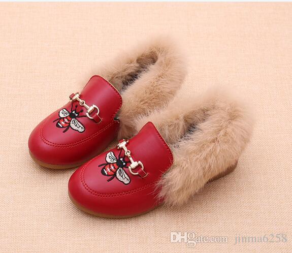 어린이 신발 벨벳 여자 패션 꿀벌 자수 디자인 덕 신발 여자 플랫 신발로 추진 겨울 어린이 캐주얼 신발
