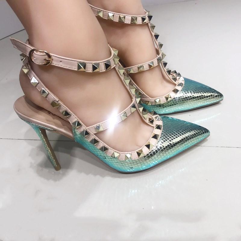 스트랩 T 벨트 뾰족한 샌들 웨딩 신발 여성 리벳 높은 뒤꿈치 신발은 그린, 핑크 화이트 색상 큰 크기 34-45를 리벳