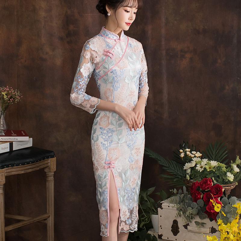 Blanc de haute qualité de broderie dentelle longue cheongsam robe traditionnelle chinoise Qipao élégant Oriental robes Chine Magasin de vêtements