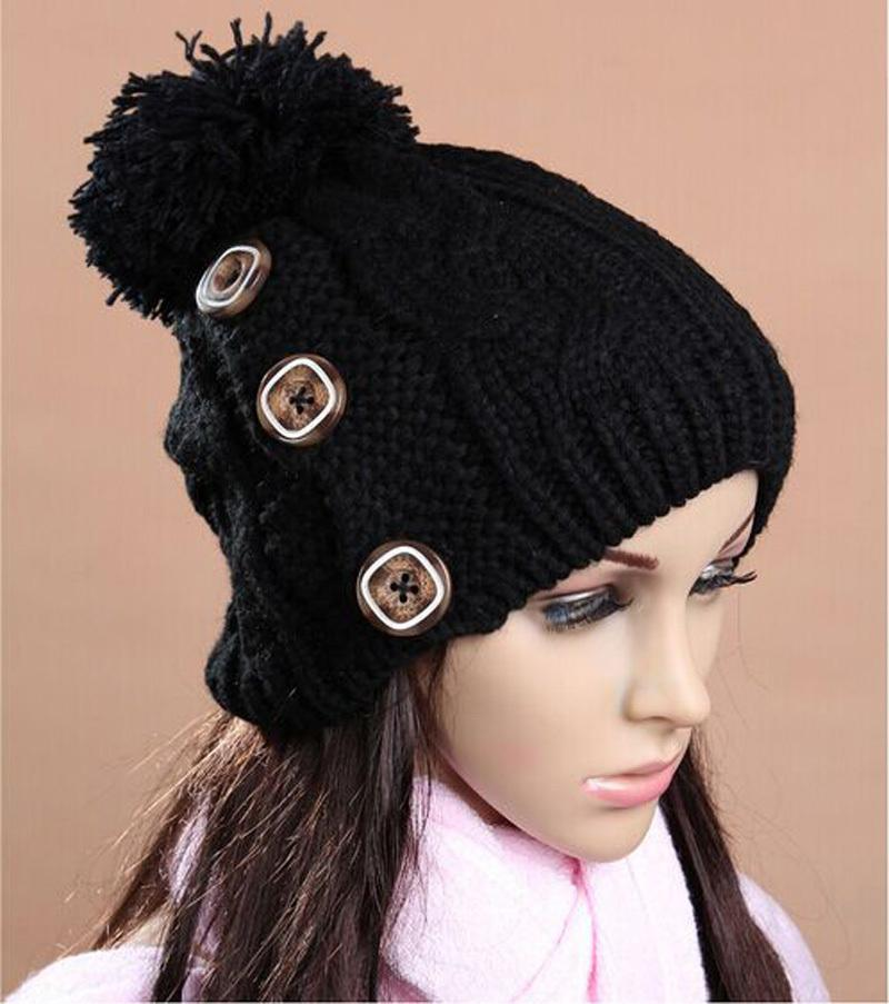 I nuovi 2017 berretti tre pulsanti a maglia le donne autunno invernali Berretti cappello caldo Student per le donne all'ingrosso