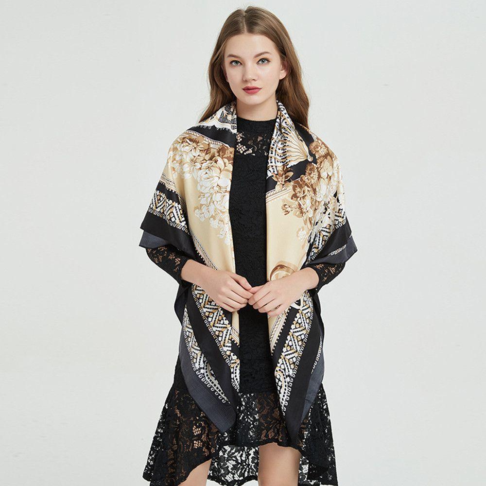 Sciarpa di seta 2019 fiore di moda di New Spice Girl Decoration Scialle protezione solare Beach Lettera sciarpa dello scialle elegante Premium regalo di Natale commerciale