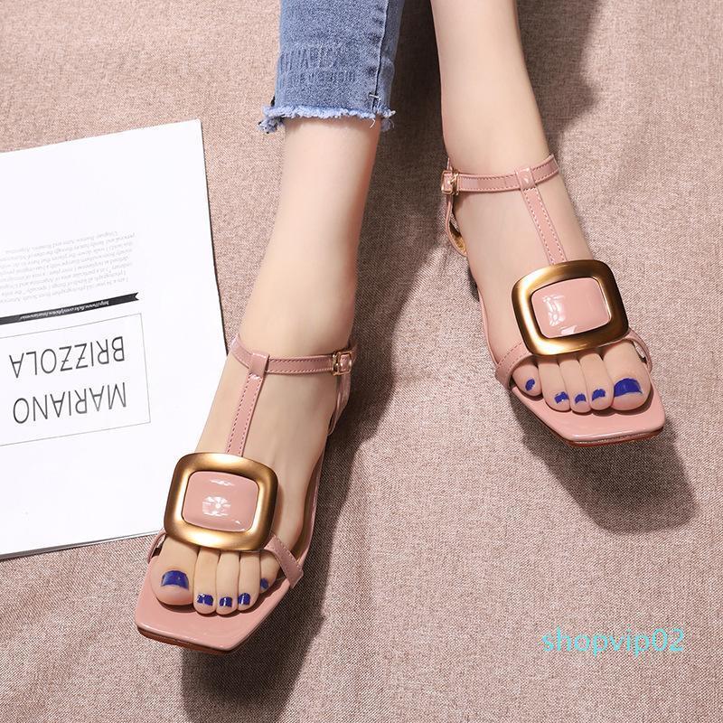 Hot2019 fivela de metal de couro genuíno Calçados Femininos Sandálias grosso com a sapata de Praça 19 Anos do Fundo