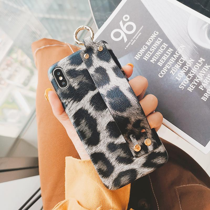 Designer Phone Cases Fashion leopard print PC Phone Case with wrist strap Luxury phone cover back For iPhone x xr XSMAX