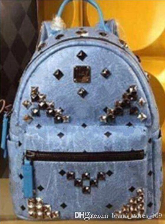 Sac à dos Designer Cheap grande capacité Sac à bandoulière de luxe en plein air pour les hommes Voyager Cartable Femmes étudiants Sacs à dos
