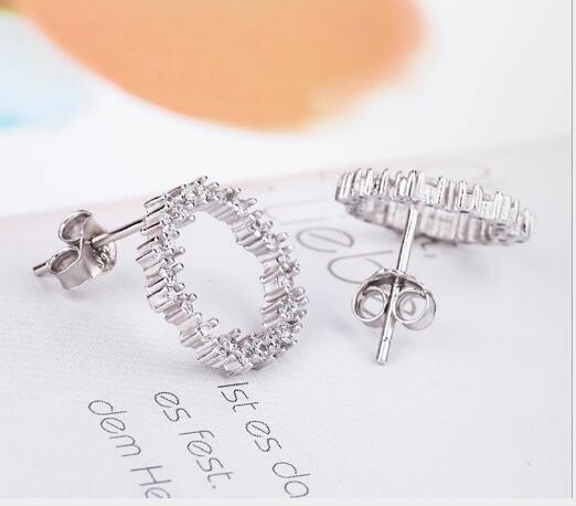Toptan moda S925 gümüş küpe tatlı küçük taze moda kız öğrenci earrings411