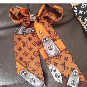 2020 Designer Silk Handtaschen-Tasche Schal Stirnband New Luxury Frauen Seide scraves 100% Bestnote Seidenbeutel Schalhaar-Bands 7x120cm wählen