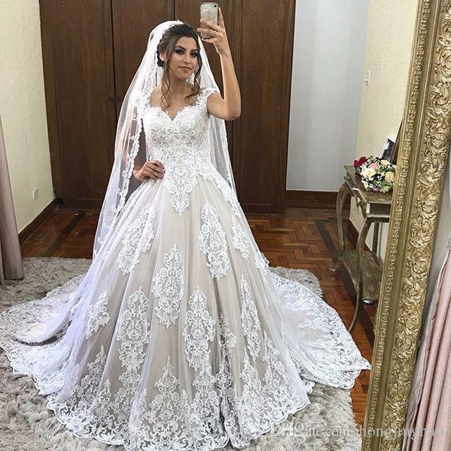 2019 Свадебное платье без рукавов Boho Кружева A-Line Аппликация Милая Свадебные платья Богемный развертки Поезд плюс размер